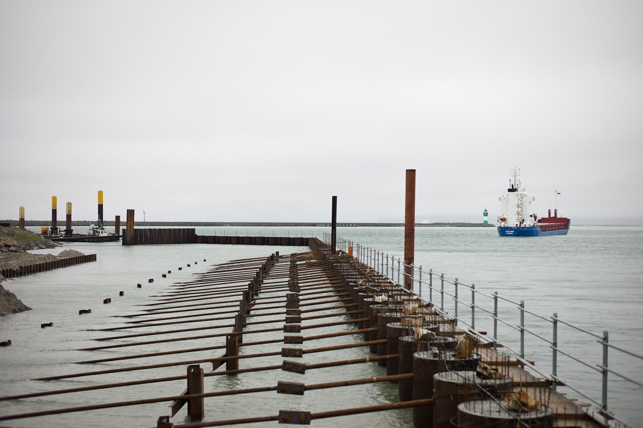 EUPEC PipeCoatings France SA ist Vertragspartner im Nord Stream Projekt zur Logistik und Betonummantelung der Stahlrohre für beide der je 1.220 km langen Ostseepipelines, die in Mukarn auf der Insel Rügen von ca. 300 Arbeitern produziert werden. Die Transportschiffe pendeln rund um die Uhr zwischen dem Werk in Mukran und den Verlegeschiffen in der Ostsee.