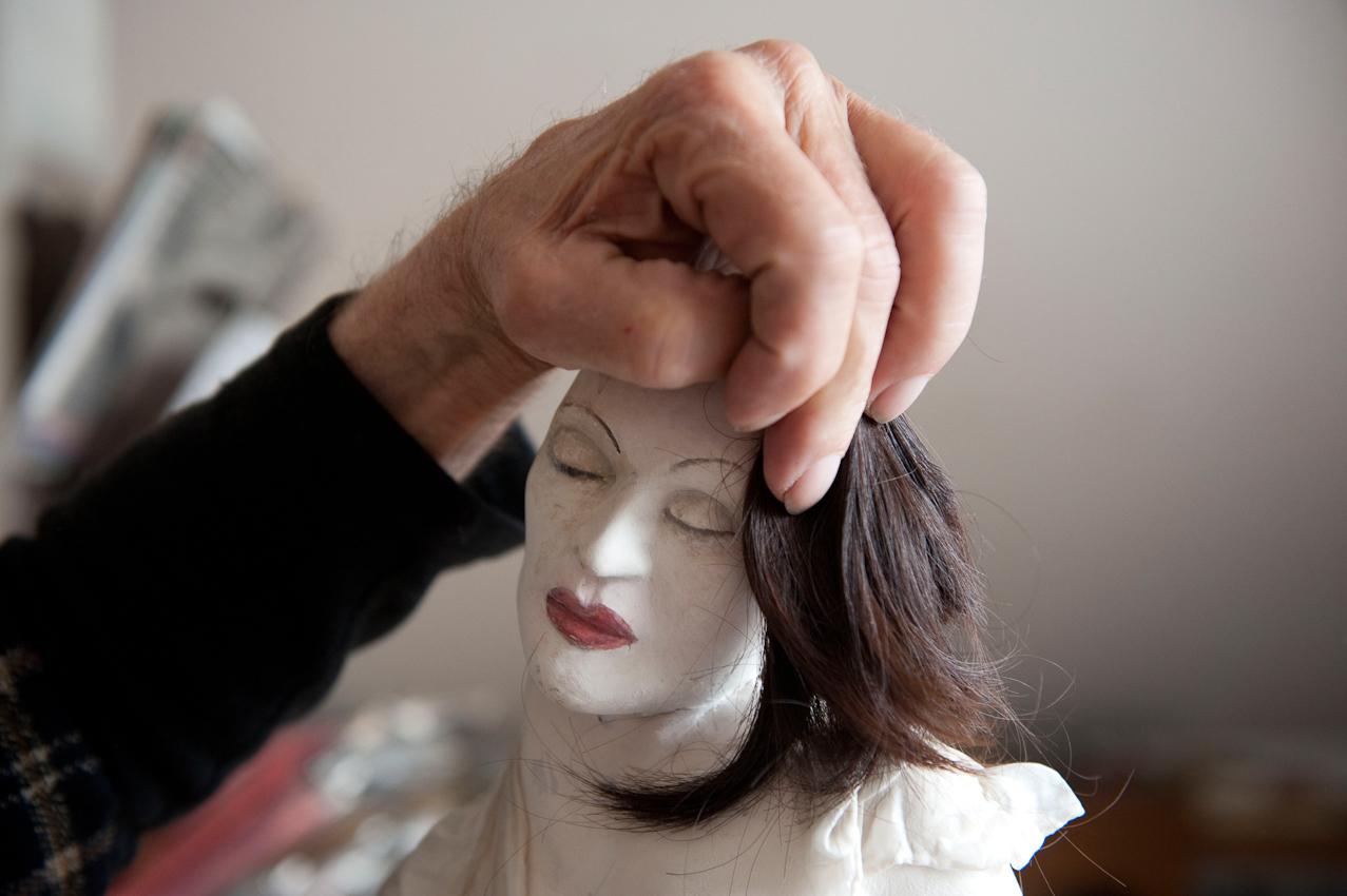 Gerda Marschand ist ein eigenwilliger Autodidakt. Seine Arbeiten umfassen Zeichnungen, Gemälde und Skulpturen. Er lebt mit seiner Lebensgefährtin in einem kleinen Haus in Hamburg Rissen. Momentan arbeitet er an einer Ausstellung.