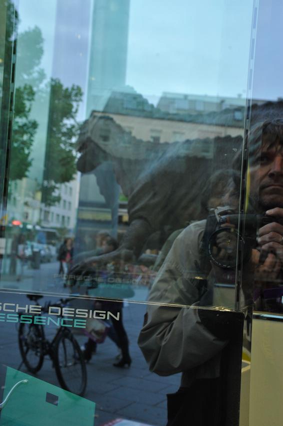Kay Maeritz on location - Ausstellung Giganten der Urzeit in der Gießener Innenstadt. Modelle von Bernd Wolter Design GmbH