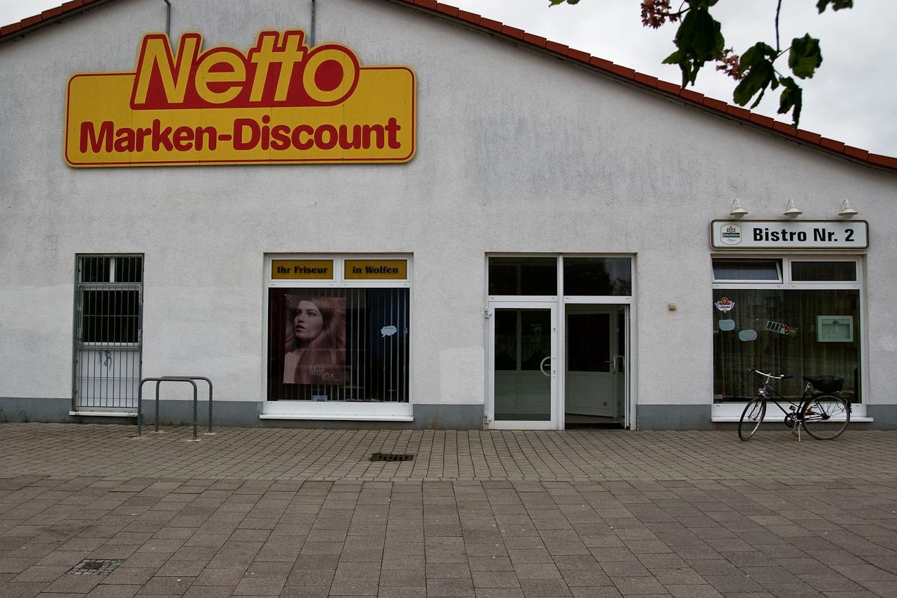 Netto Marken-Discount und Bistro Nr. 2 Ecke Wittener Straße und Raguhner Schleife.