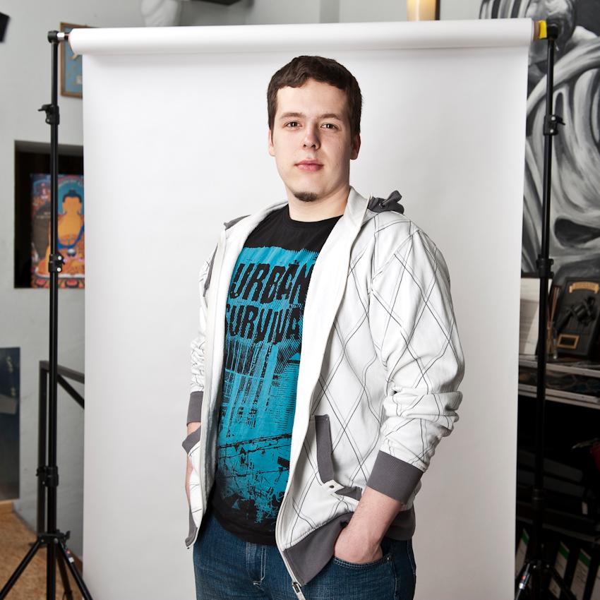 """Philipp (22) aus Berlin kam an diesem Tag zu einem Tattoo-Termin ins Studio: """"Das Tätowieren übt auf mich eine große Faszination aus. Ich wollte schon immer ein Tattoo, jetzt realsiere ich meinen Wunsch."""""""