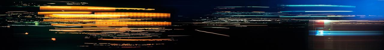 Nachtzug - Spuren der Raumzeit: Regionalbahn RB 32898. Memmingen - Lindau. 20:53-22:02 Uhr (Langzeitbelichtung mit analoger Spezialkamera).