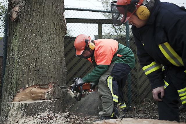 Feuerwehrleute 2